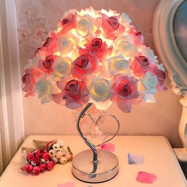 Những mẫu đèn ngủ đẹp trang trí cho phòng ngủ lãng mạn